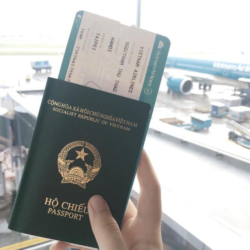 Bạn cần hộ chiếu còn hạn trên 6 tháng đối với trường hợp xin visa đi dưới 90 ngày.