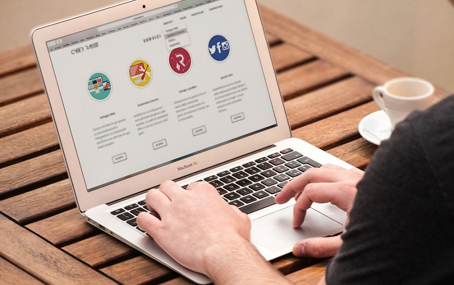 Ngành thiết kế website trở nên thịnh hành và kiếm được rất nhiều tiền.