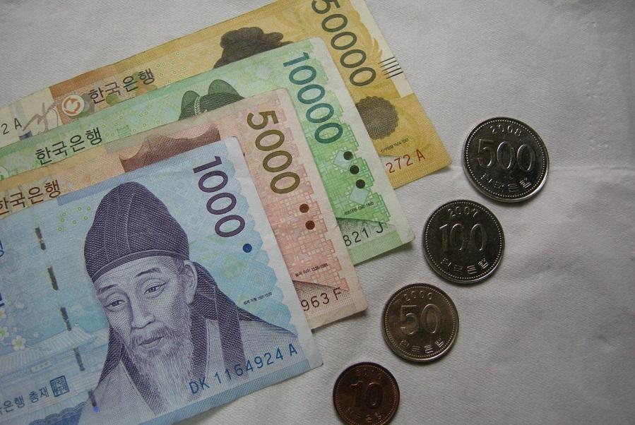 Để du lịch Hàn Quốc bạn cần có sổ tiết kiệm có số tiền gửi ít nhất 5.000 USD hoặc 100 triệu đồng.