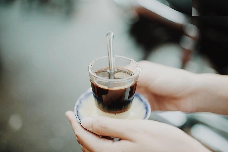 Không chỉ là cà phê đen, cà phê sữa đá, tại Sài Gòn hiện có rất nhiều loại cà phê được du nhập từ phương Tây.