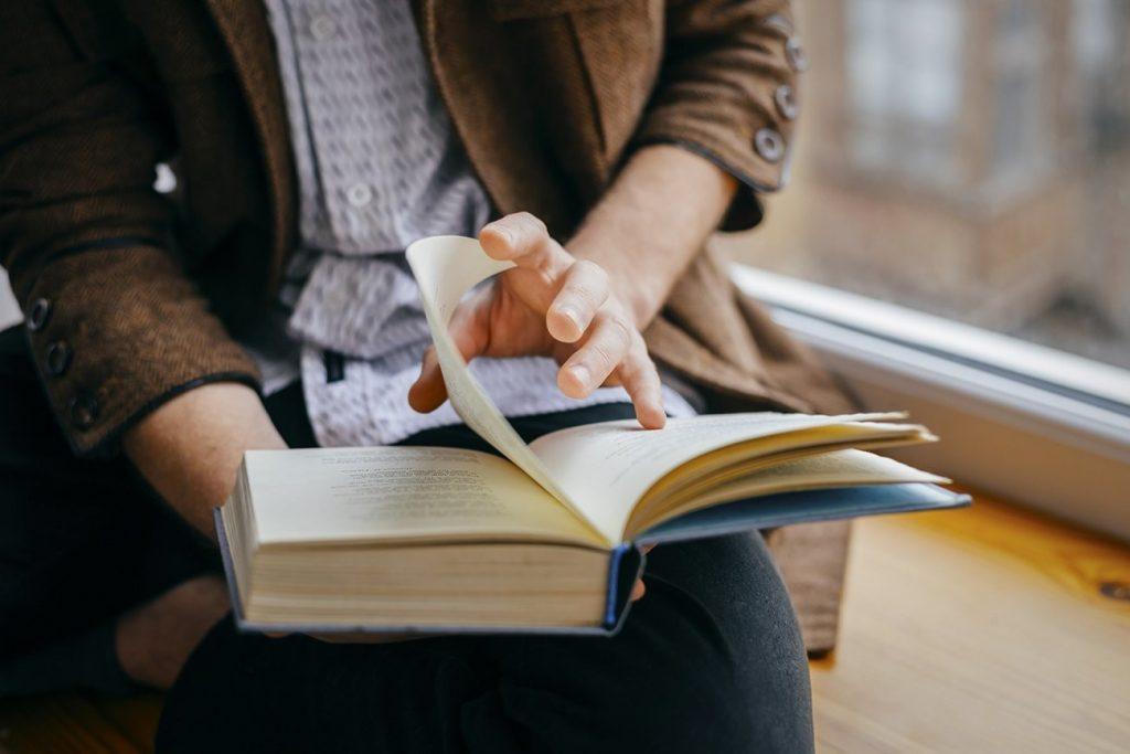 Muốn viết giỏi nhất định phải đọc nhiều các thể loại sách, báo khác nhau.