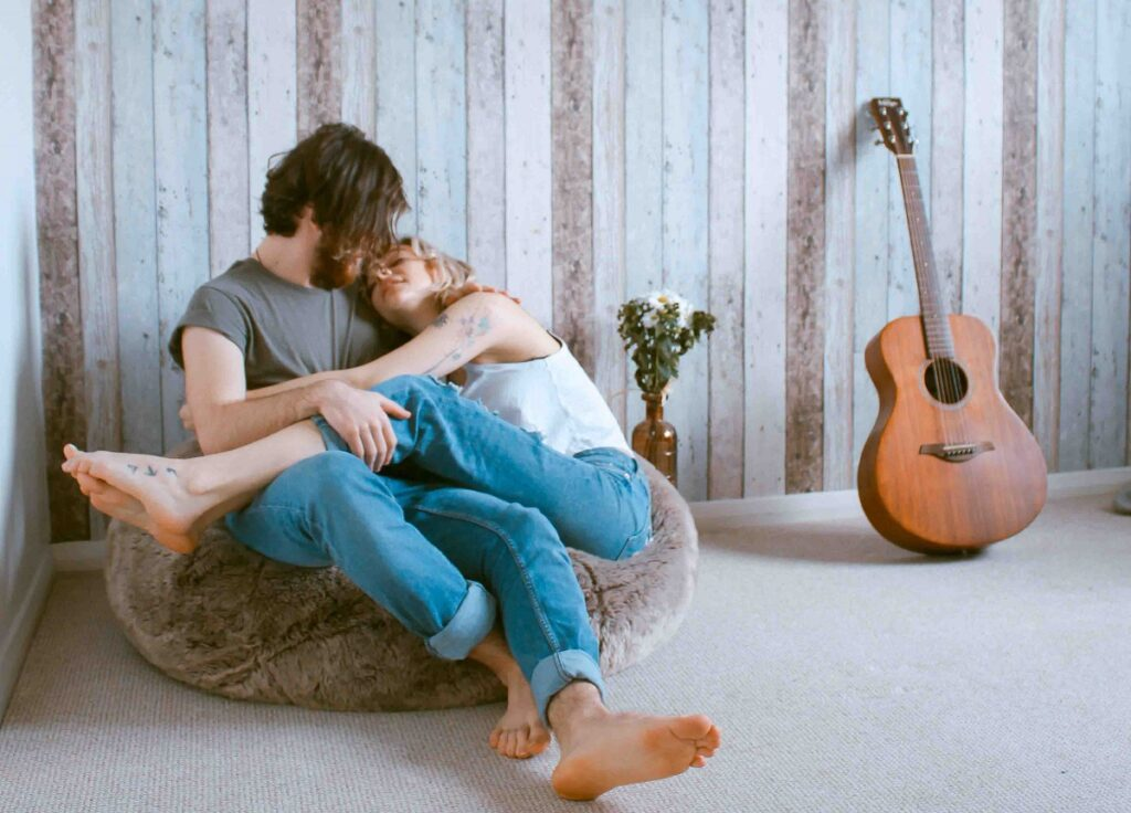 Người đàn ông khi yêu thật lòng đó là anh ấy muốn chia sẻ mọi thứ với bạn gái của mình.