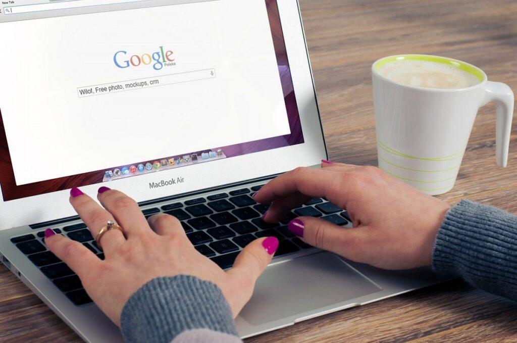 Content thu hút sẽ là yếu tố then chốt giữ chân khách hàng và tăng lượng độc giả ghé thăm website của bạn.